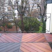 15. Nouvelle Terrasse avec balustrade en fer forgé et caillebotis